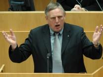 Landtag befasst sich mit Ruettgers-Vorstoss fuer 'Hartz IV'-Reform