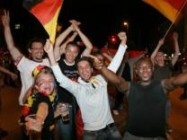 Deutsche Fans während des Spiels um Platz 3 bei der Fußball-WM 2006