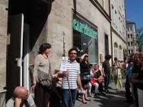 """Kammerspiele """"Munich Central 2010"""", Stadterkundung """"24h"""", soziale Einrichtungen in der Landwehrstraße, München"""