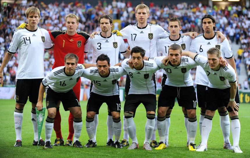 Wm 2010 Deutsche Mannschaft Später Sieg Für Klinsmann Fußball