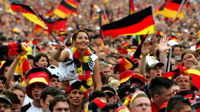 Umfrage: Weniger zentrale Public-Viewing-Veranstaltungen zur WM
