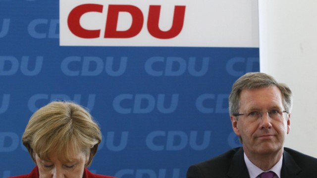 German Chancellor Merkel and  Lower Saxony federal state Prime Minister and candidate for June 30 presidential election, Wulff, attend CDU party board meeting in Berlin