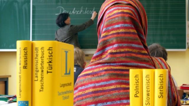 Symbolbild Ausländer in Schulen, 2006