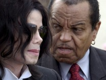 Miachel Jackson und sein Vater Joe, dpa
