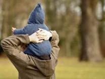 Kinderdienst: Alleinerziehende sollen leichter einen Job finden
