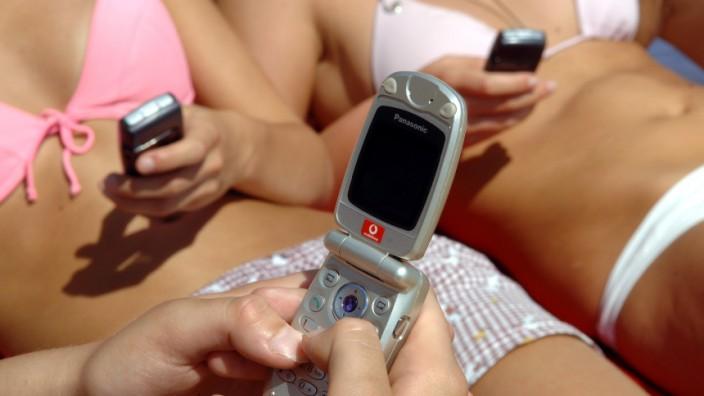 Handy-Vergnügen zum Urlaubsstart: Günstige SMS und Tarife