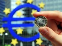 Zinsunterschiede sollen nach dem Willen einiger EU-Politiker erst verwischt und dann eingeebnet werden: Es geht um die Einführung der Euro-Anleihe.