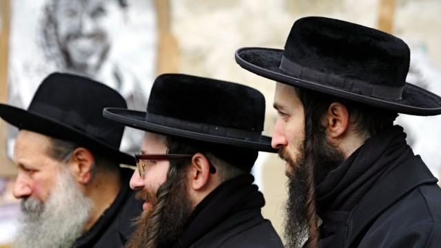 Orthodoxe Juden bekunden Sympathie für den schwer erkrankten Arafat, 2004