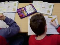 Laender wollen schwache Schueler foerdern und Lehrer besser ausbilden