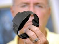 Hahn lehnt elektronische Fussfessel bei Straftaeter-Ueberwachung ab