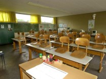 Leeres Klassenzimmer in der Georg-Ledebour-Schule in Nürnberg, 2001