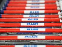 Discounter - Einkaufswagen bei ALDI