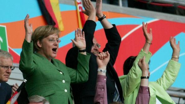 Angela Merkel bei der WM 2006 in Deutschland