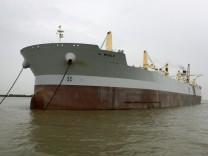 "Riesen-Tanker ""A Whale"", Reuters"