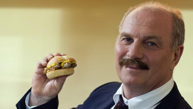 Bayerns Hoeneß verkauft Bratwurst an McDonald's