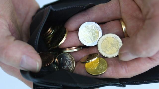 Euro-Münzen in Geldbörse
