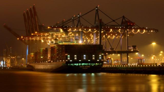 Abendstimmung über dem Hamburger Hafen