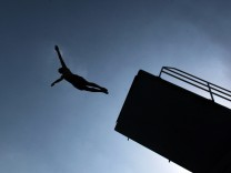 Turmspringer im Freibad