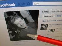 Skurriler Streit um Besitz von Facebook