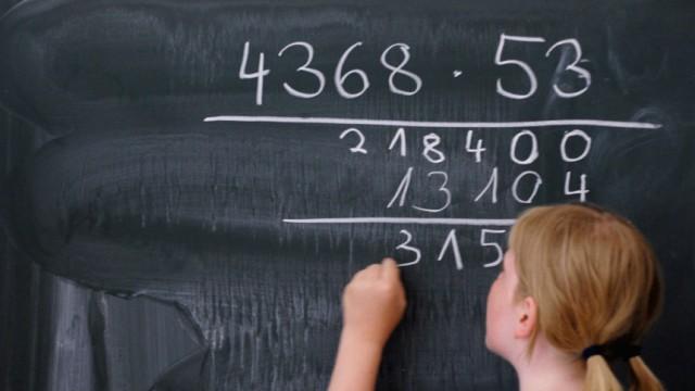 Kinderdienst: Jungs in Mathe oft besser als Maedchen - Vorurteile bremsen Kinder
