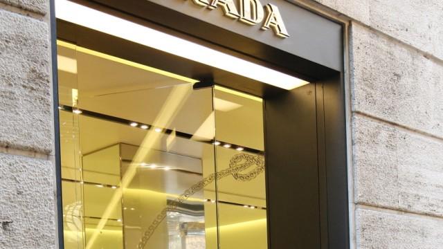 6afed895854fc Prada  Filialleiterin vor Gericht - Selbstbedienung am Firmentresor ...