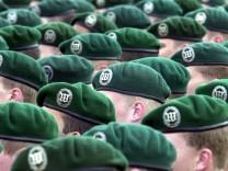 SPD: Bundeswehr-Umfang mit 250.000 Soldaten nicht zu halten