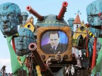 Berlusconi mit schwerer Artillerie
