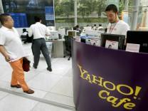 Microsoft will Yahoo! kaufen - Internet-Cafe in Tokio