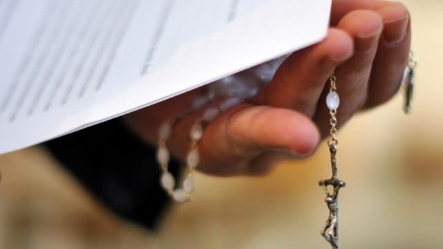 Schuldeingeständnis der katholischen Kirche nach Missbrauch