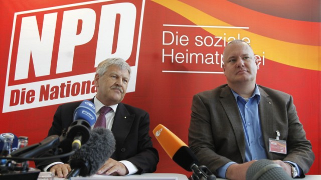 NPD-Chef Udo Voigt (li.) mit dem DVU-Vorsitzenden Matthias Faust