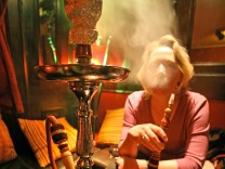 Shisha-Cafes klagen gegen striktes Rauchverbot