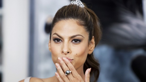 Cast member Eva Mendes arrives for the premiere of the film 'The Other Guys' in New York