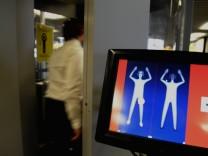 Köperscanner auf dem Amsterdamer Flughafen