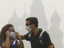 Waldbrände in Russland - Smog in Moskau, dpa