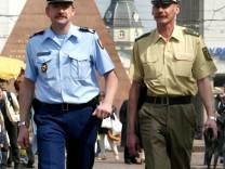 DEUTSCH-FRANZÖSISCHE POLIZEISTREIFE IN KARLSRUHE