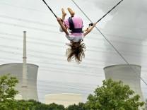 Leicht verstrahlter Behaelter am Atomkraftwerk Gundremmingen entdeckt