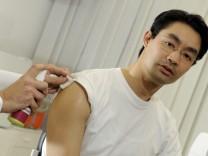 Rösler lässt sich impfen