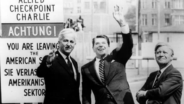 Richard von Weizsäcker, Ronald Reagan, Helmut Schmidt in Berlin, 1982