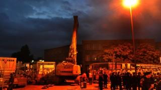 Polizei loeste Sitzblockade am Stuttgarter Hauptbahnhof auf