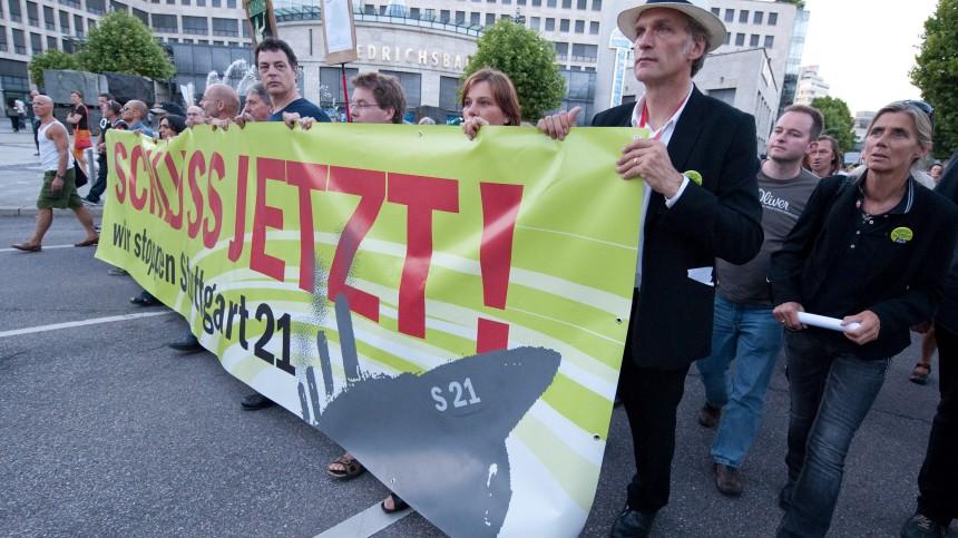 Tausende demonstrieren gegen Stuttgart 21