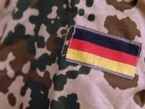 Guttenberg stellt Pläne für Bundeswehrreform vor