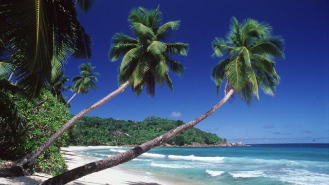 Strand auf der Seychelleninsel Mahe