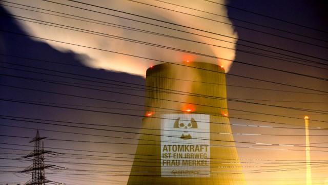 Greenpeace - Projektion auf Atomkraftwerk Lingen