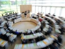 Verfassungsgericht entscheidet über Mehrheit in Kiel