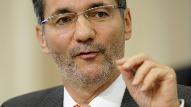 Ministerpraesident Platzeck gibt Regierungserklaerung ab