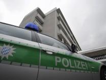 Mutter und dreijaehriger Sohn tot in Rosenheimer Wohnhaus entdeckt