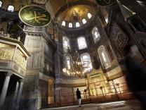 Istanbul Prepares For Papal Visit