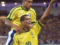 FUßBALL WM BRASILIEN - DÄNEMARK