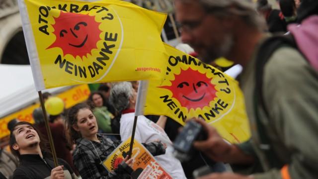 Menschenkette fuer Atomausstieg