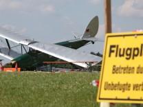 Ermittler untersuchen nach Flugschau-Unglück Doppeldecker